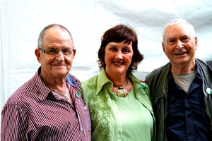 Philip de Vos, Dorothea van Zyl, Hennie Aucamp - click to enlarge